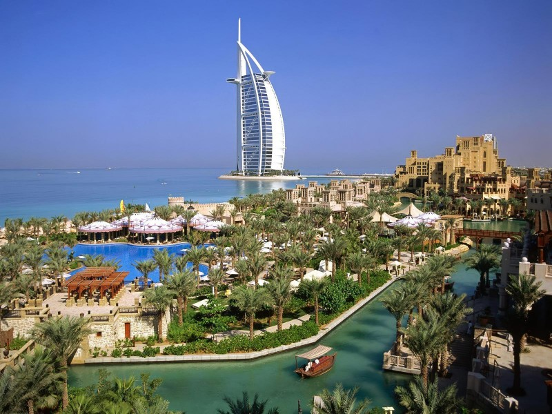 Burj_Al_Arab_Hotel_-_Dubai_United_Arab_Emirates_1